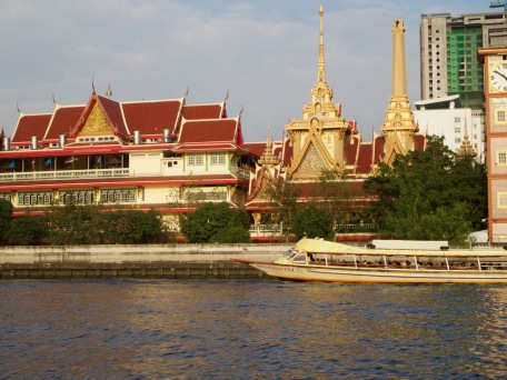 Taking in the sights along the Chao Phraya