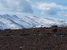 Rocks, snow and wind