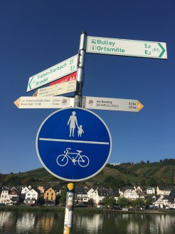 Excellent signage along the Mosel